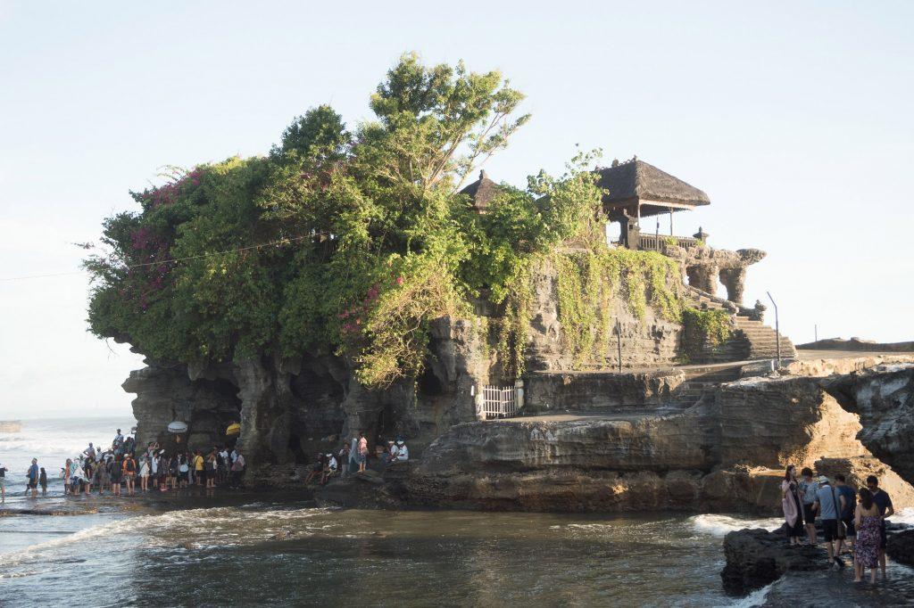 Tanah-Lot-TempleBali-_TravelsAndScuba_000